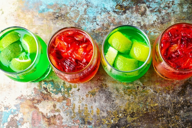 Geléia bebida com kiwi e laranjas