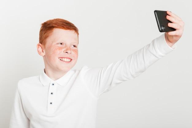 Gengibre, menino, levando, um, selfie