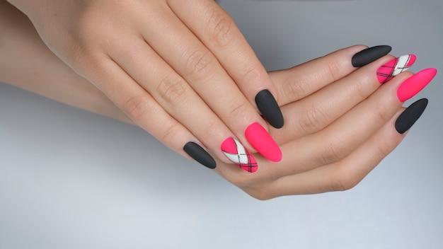 Geometryc nail art