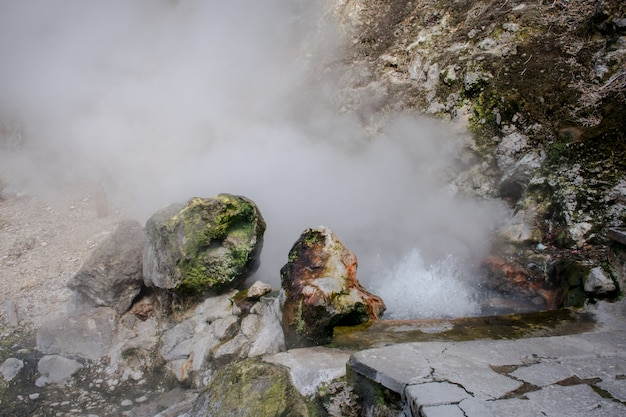 Geysers no vale de furnas, ilha de são miguel, açores, portugal.
