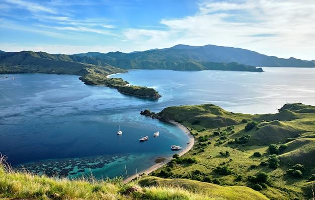 'gili lawa' com uma noite, komodo island (komodo national park)