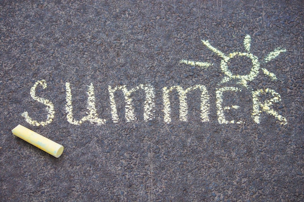 Giz amarelo, desenho, ligado, asfalto, texto, verão, com, sol