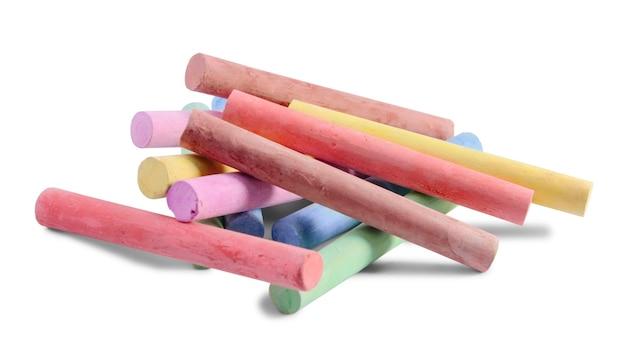 Giz coloridos isolados no fundo branco