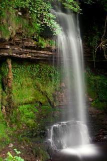 Glencar cai exuberante