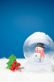 Globo de neve decorativo com boneco de neve dentro