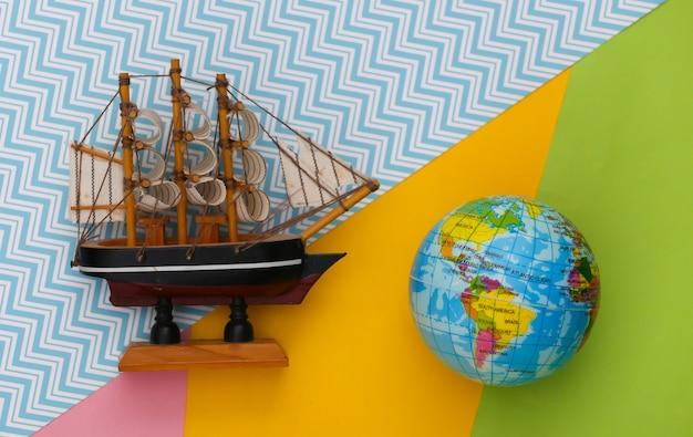 Globo e navio