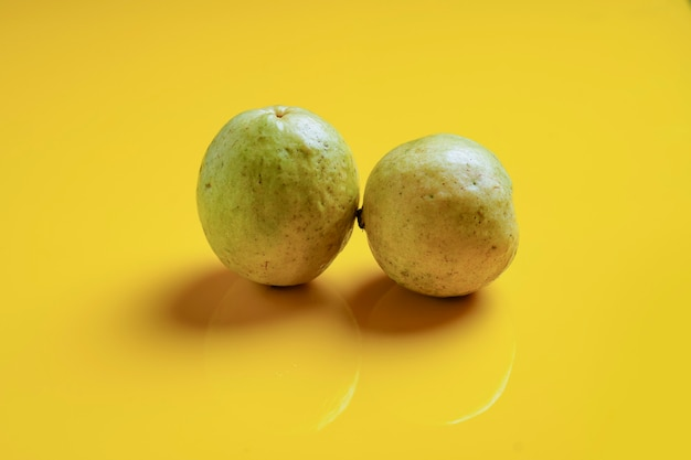 Goiaba ou psidium guajava linn, frutas.