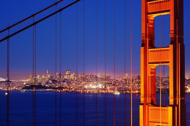 Golden gate bridge famoso em san francisco, califórnia, eua