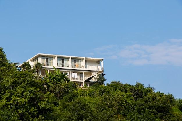 Gonia, geórgia - 26 de agosto de 2021: vista do hotel, construção e arquitetura para férias