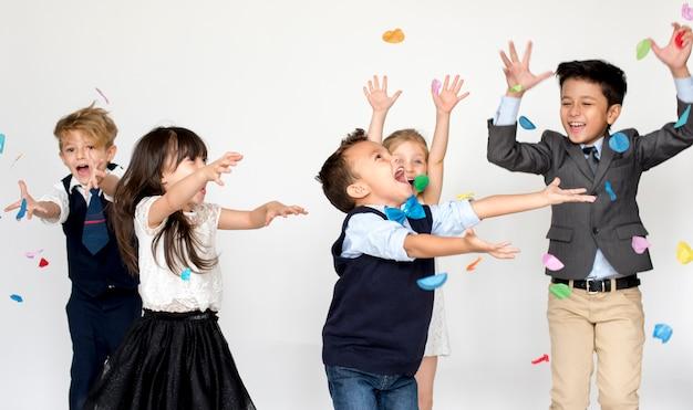 Gorup of kids party event celebração festiva