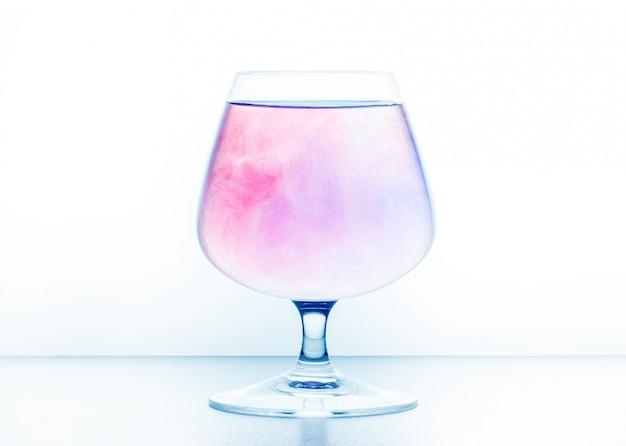 Gotas de água colorida