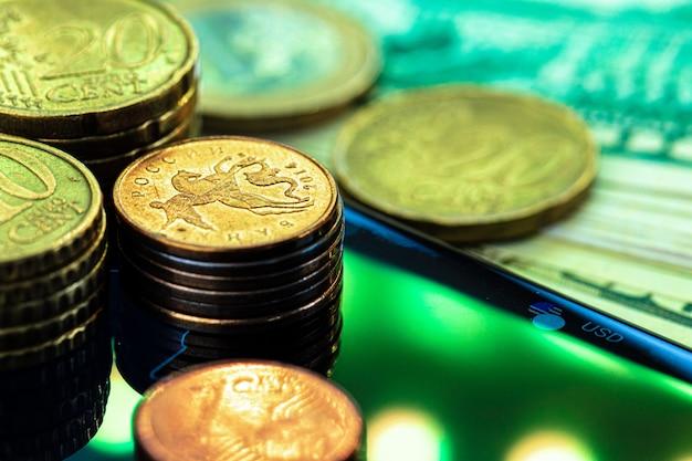 Gráfico de rublo nas bolsas de valores internacionais. fechar-se.