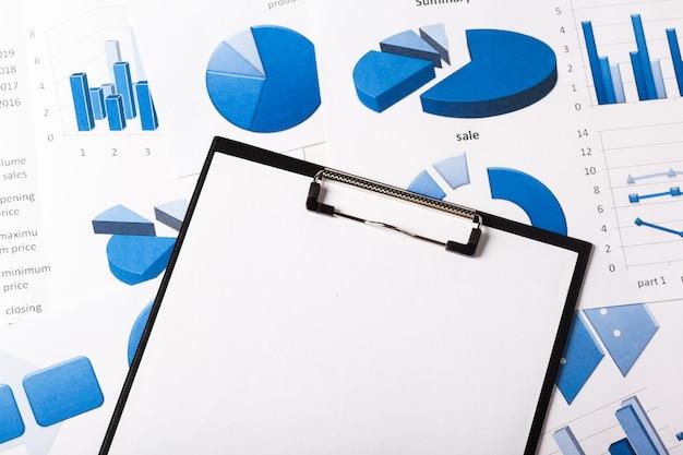 Gráficos de negócios azuis
