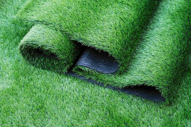 Grama artificial no jardim