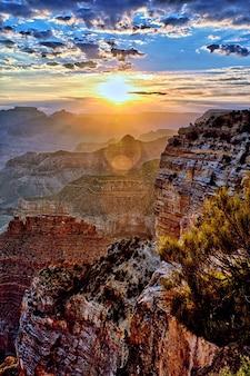Grand canyon ao nascer do sol em setembro