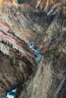 Grand canyon do parque nacional de yellowstone, fotografia de paisagem