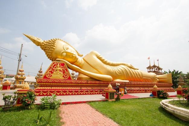 Grande, buddha, estátua, em, wat pha, que, luang, em, vientiane