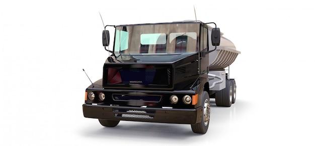 Grande caminhão-tanque preto com reboque de metal polido