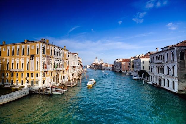 Grande canal em veneza, itália