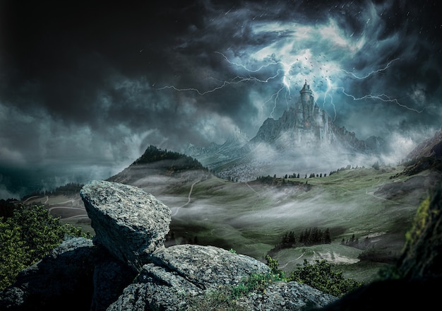 Grande castelo escuro com fortes raios e relâmpagos