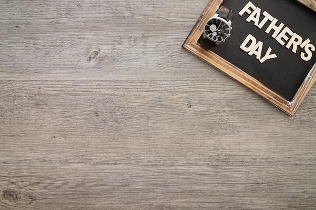 Grande composição do dia de pai com relógio e ardósia