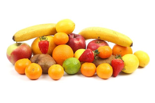 Grande conjunto de frutas diferentes isoladas