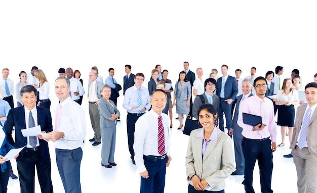 Grande grupo de profissionais de negócios