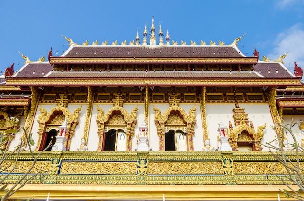 Grande igreja em chiang rai, tailândia