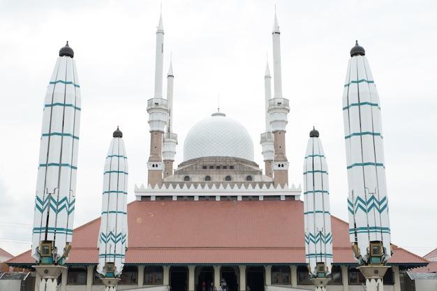 Grande mesquita de java central, indonésia