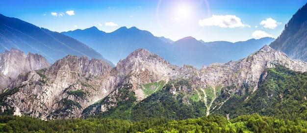 Grande paisagem das montanhas italianas