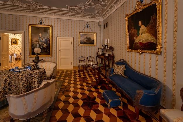 Grande palácio menshikov 1710 em oranienbaum lomonosov são petersburgo, rússia