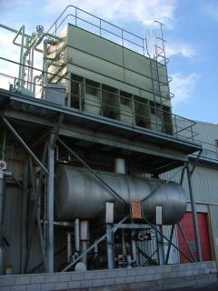 Grande tanque em fábrica de refrigeração de amônia