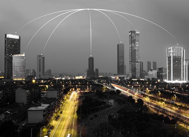 Grandes edifícios com uma luzes de abóbada