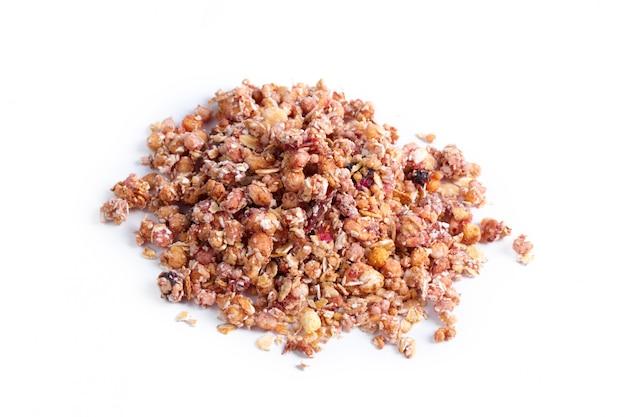 Granola café da manhã saudável, isolado no branco