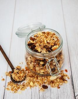 Granola caseira em jarra