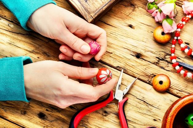 Grânulos para bordado na mão