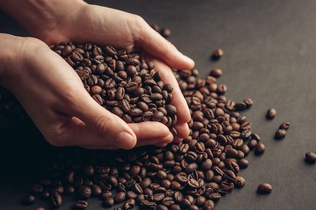Grãos de café, café torrado