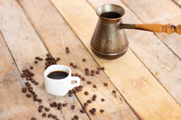 Grãos de café, turco e sementes