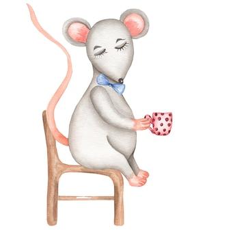 Gray mouse sentado na cadeira com a xícara.