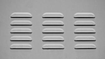 Grelha de ventilação em metal - monocromática