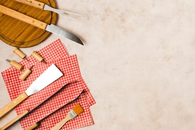 Grelhar ferramentas preparadas para churrasco