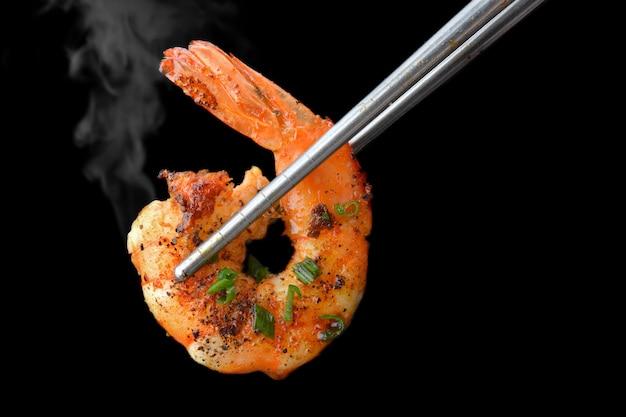 Grill estilo camarão churrasco Foto Premium