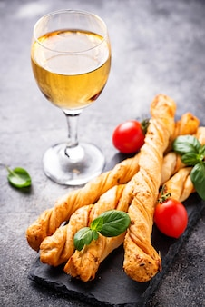 Grissini de antepastos italiano com tomate