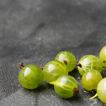 Groselhas maduras verdes