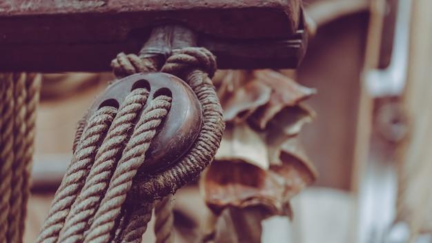 Grua de corda para navio