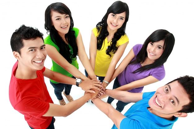 Grupo adolescente feliz