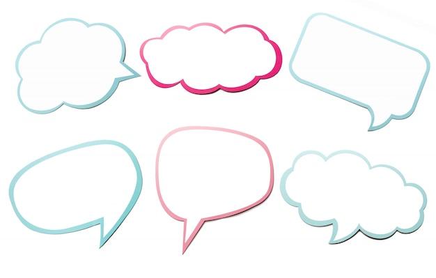 Grupo colorido de bolha diferente do discurso como uma nuvem isolada no fundo branco vazio.
