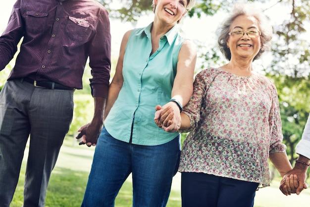 Grupo de aposentadoria sênior amigos felicidade conceito