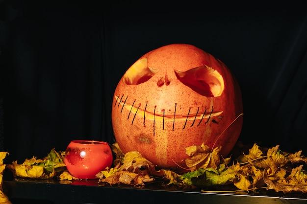 Grupo de assustador halloween jack o lanternas