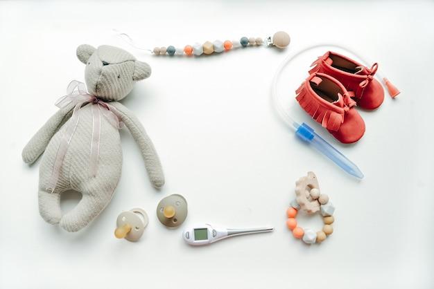 Grupo de coisas para detalhes de banho de bebê